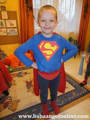 egyszerű Superman jelmez farsangra